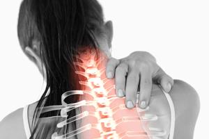 頚部に痛みが出てしまった女性